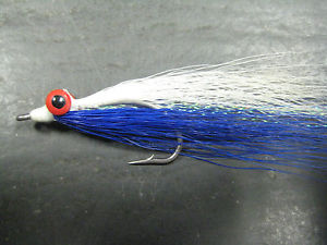 Clouser minnow in blue and white bucktail